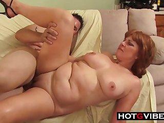 plump GILF hard porn clip