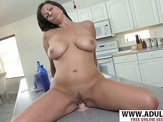 Hotness MILF Tori Dean Takes Fake Dick