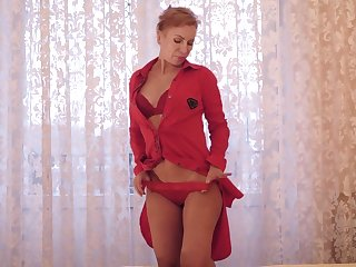 Mature housewife Silvia gets naked and plays with nipples and yummy hole
