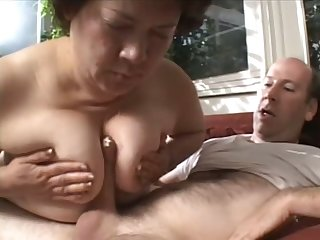 This fat slut knows how to get her man ready and she loves a good fuck