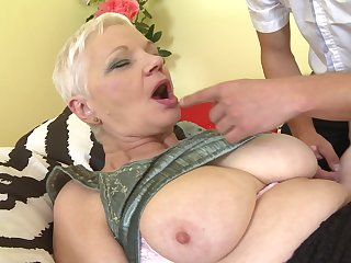 Short haired babe Anna C. knows what pleases her friend the most
