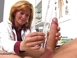 Nurse Stefania Knows How To Handle Pati - ejaculation
