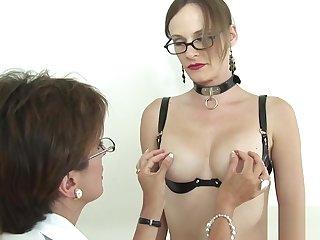Unfaithful uk mature gill ellis reveals her giant boobies