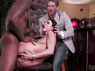 India Summer in real mature threesome action
