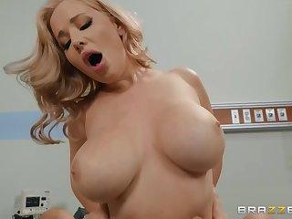Blonde MILF Savannah Bond enjoys hardcore sex in the hospital