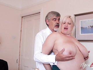 Mature lady got fingered and toyed her wet pussy to be wet for later hardcore fuck