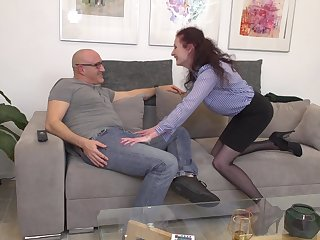 Amateur mature couple love having sex in the middle of the day