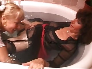 With LIne in the bath tub