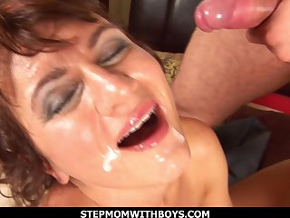 Sexy Mature Pierced Pussy Fucked By Service Man