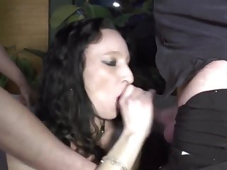 Raunchy Mature And Her Younger Lovers - gangbang