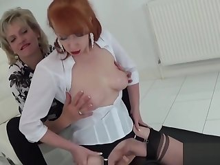 Adulterous english mature lady sonia displays her massive melons