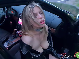 Whore Slut-Orgasma Celeste pissing on the street
