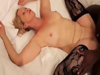 Annabelle Brady spreads legs to enjoy interracial sex