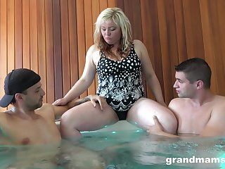 Mature BBW is very open sexually and she loves to fuck younger men