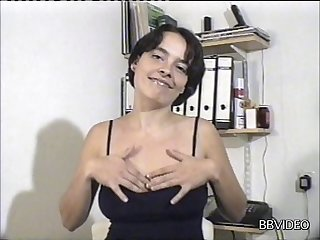 Amateur mature wife enjoys getting fucked by a horny stranger