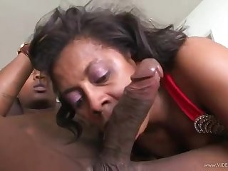 Ebony Mature Fucks Neighbor - Black Sex
