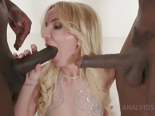 Kinky interracial threesome with Tatiana Swank