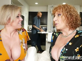 Dee Williams and Sara Jay are quite impressive during FFM fun