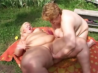 Check out really fat SSBBW lesbians who enjoy fingering meaty cunts