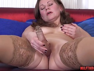 Bald Pussy housewife making out with cum shot