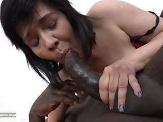 Granny Squirting and fucking big black cock likes to blowjob