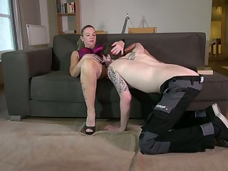 Mature nasty housewife Vera fucks young plumber and eats his sperm