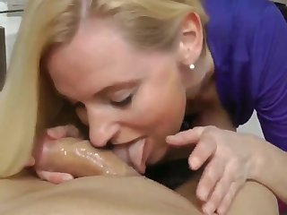 Delightful Mature MILF Big Clit Still Likes Hot Creampie
