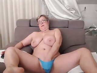 Pam plays in and out of shower