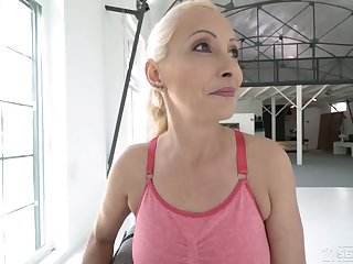 Poorly shaved cunt of blonde mature Szandi is properly fucked by stud