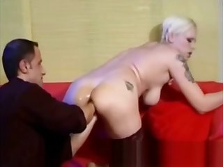 Mature blonde from CasualMilfSex(dot)com hardcore fisting