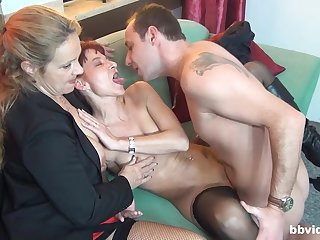 Impressive threesome sex with two matures addicted to cock