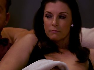 India Summer - Sexually Attractive Mommy Gets Creampied